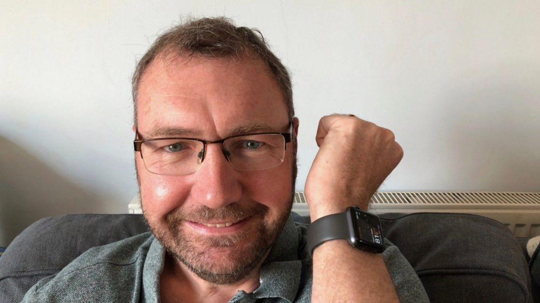 เทคโนโลยีช่วยชีวิต ชายวัย 48 รอดตายเพราะ Apple Watch | ข่าวโดย Tadoo