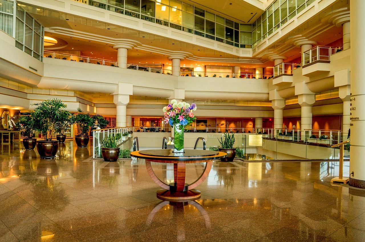 ผู้ประกอบการโรงแรมเฮ กรมการปกครอง ฟรีค่าธรรมเนียมธุรกิจโรงแรม 2 ปี! | Tadoo