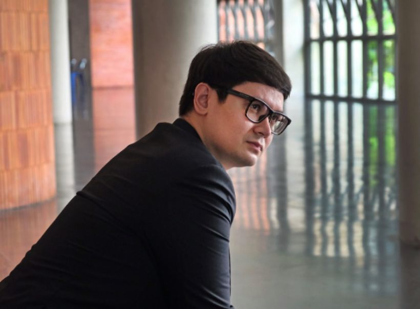 โรม ซัด ส.ว. เลิกหากินกับสถานบันฯ ฉะ ไม่เคยลงมือทำอะไรเลย | Tadoo