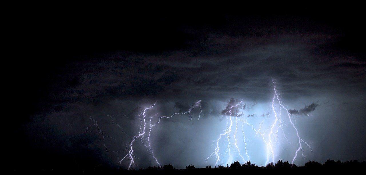 พายุโมลาเบ กระทบไทยถึงสิ้นเดือน เช็กพื้นที่ไหนบ้างฝนตกหนัก   Tadoo
